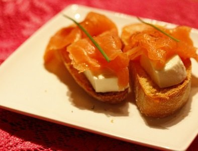 Bruschetta zalm met mozarella