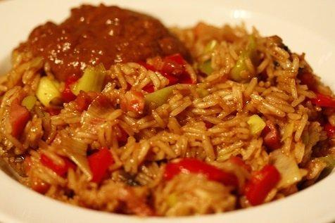 Gebakken rijst met spekjes en groente