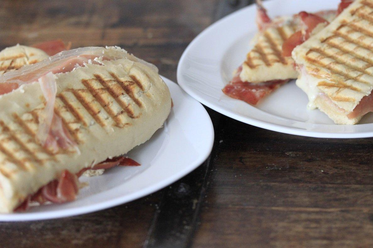 Pittige panini variatie