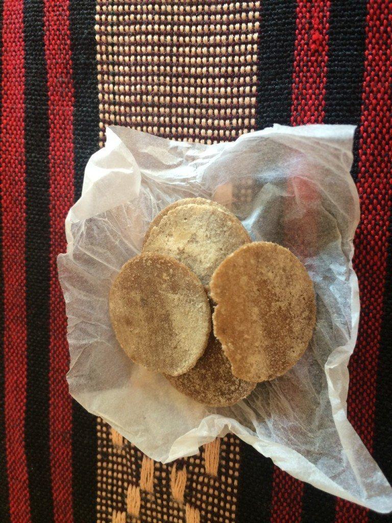 Eten in myanmar koekjes bij ieder diner