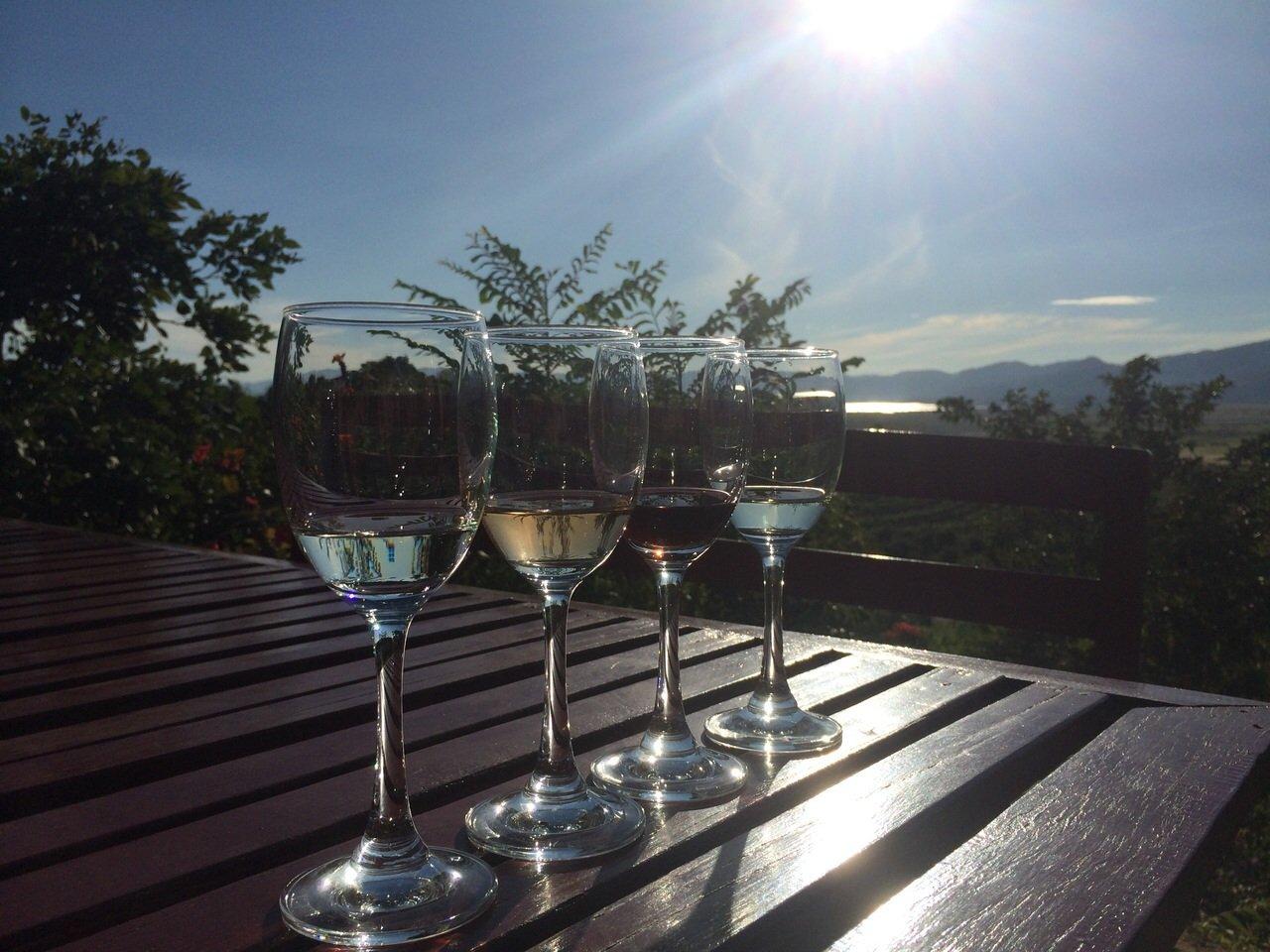 Eten en drinken in Inle Lake Myanmar Wijnproeverij Inle Lake Myanmar