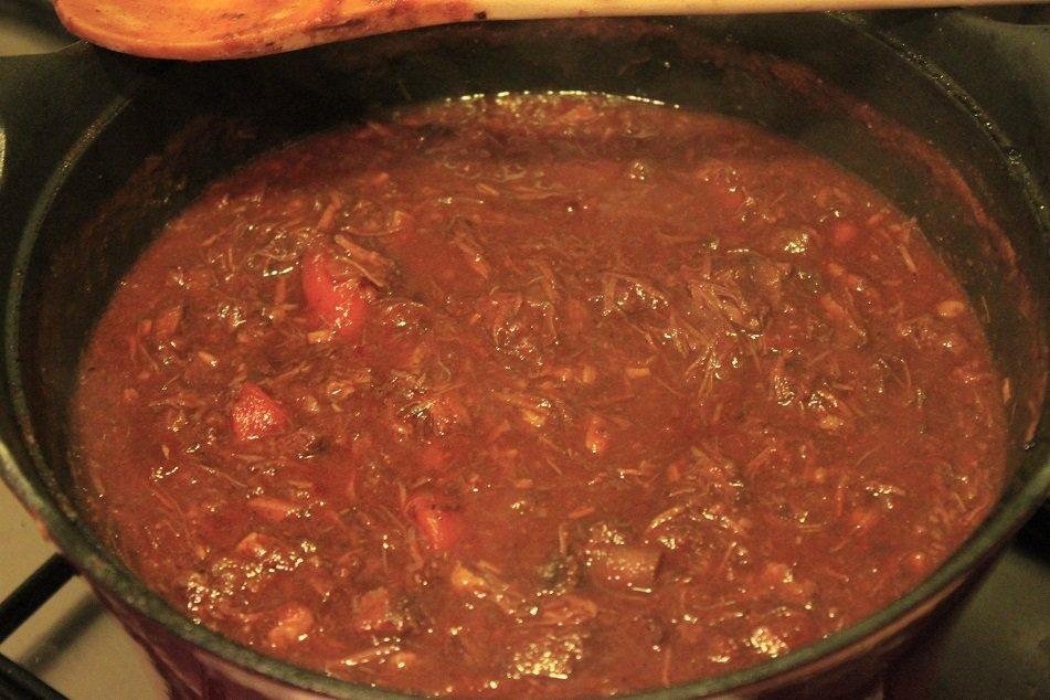 Bolognaise stoofschotel met rundvlees recept