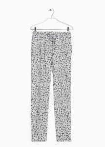 Zwart wit bloemetjes broek mango lente kriebels tag musthave outfit