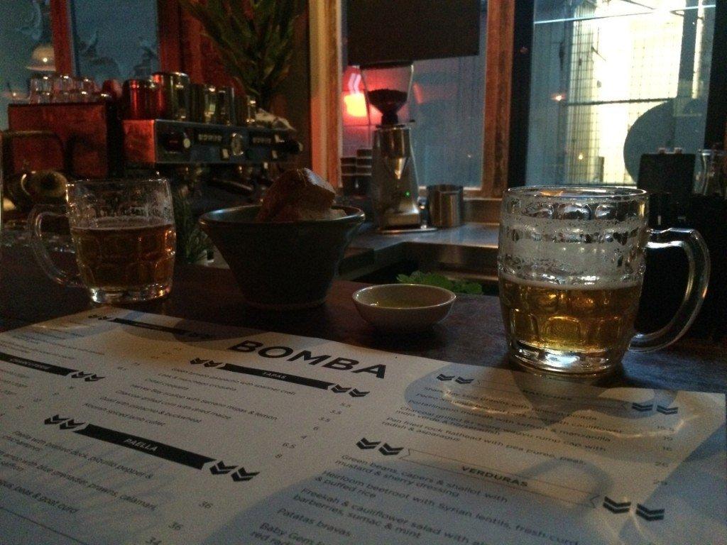 Starten met een drankje bij Bomba rooftopbar melbourne