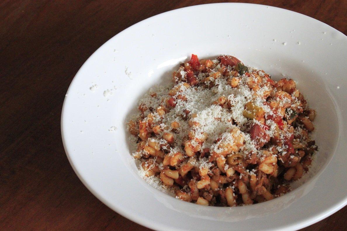 Macaroni recepten variatie Pittige macaroni zonder pakjes en zakjes