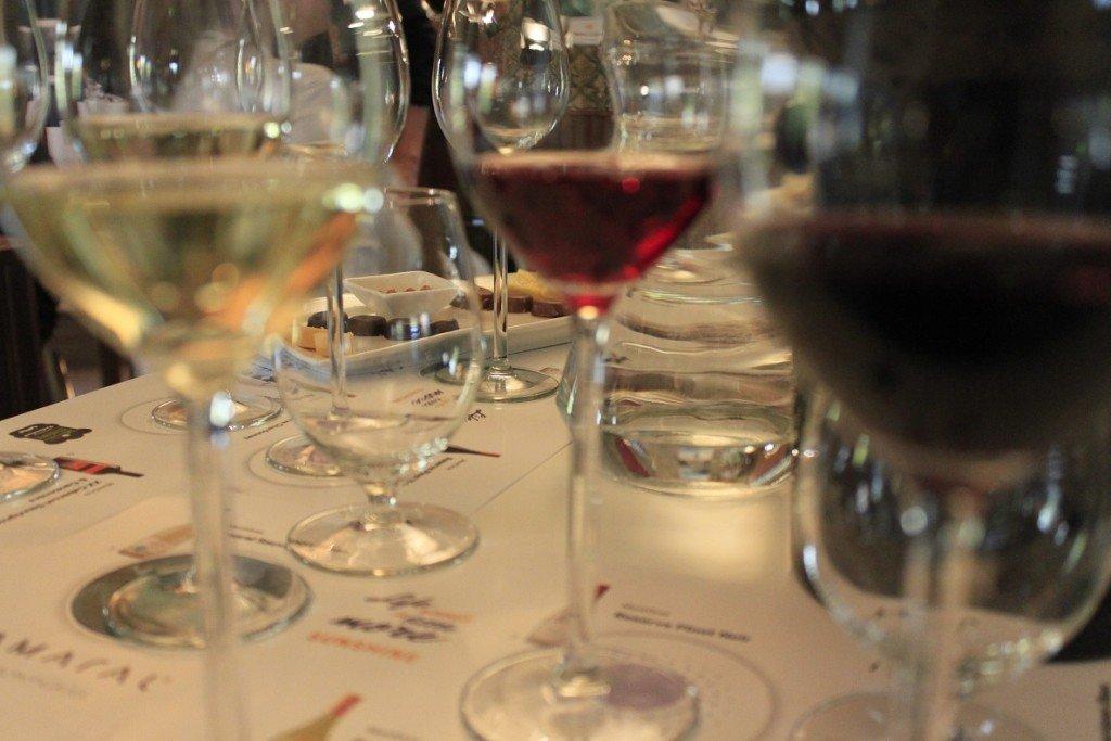 Wijnproeven met Corria bij 24Kitchen and cottages