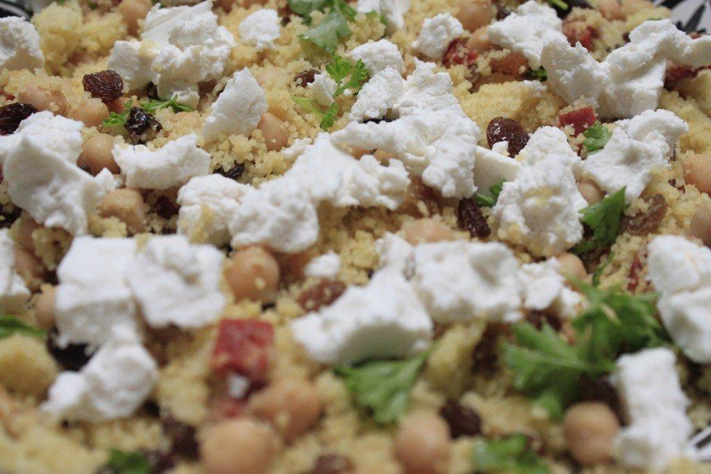 Cous Cous recept foodblog Foodinista chorizo geitenkaas kikkererwten verse kruiden