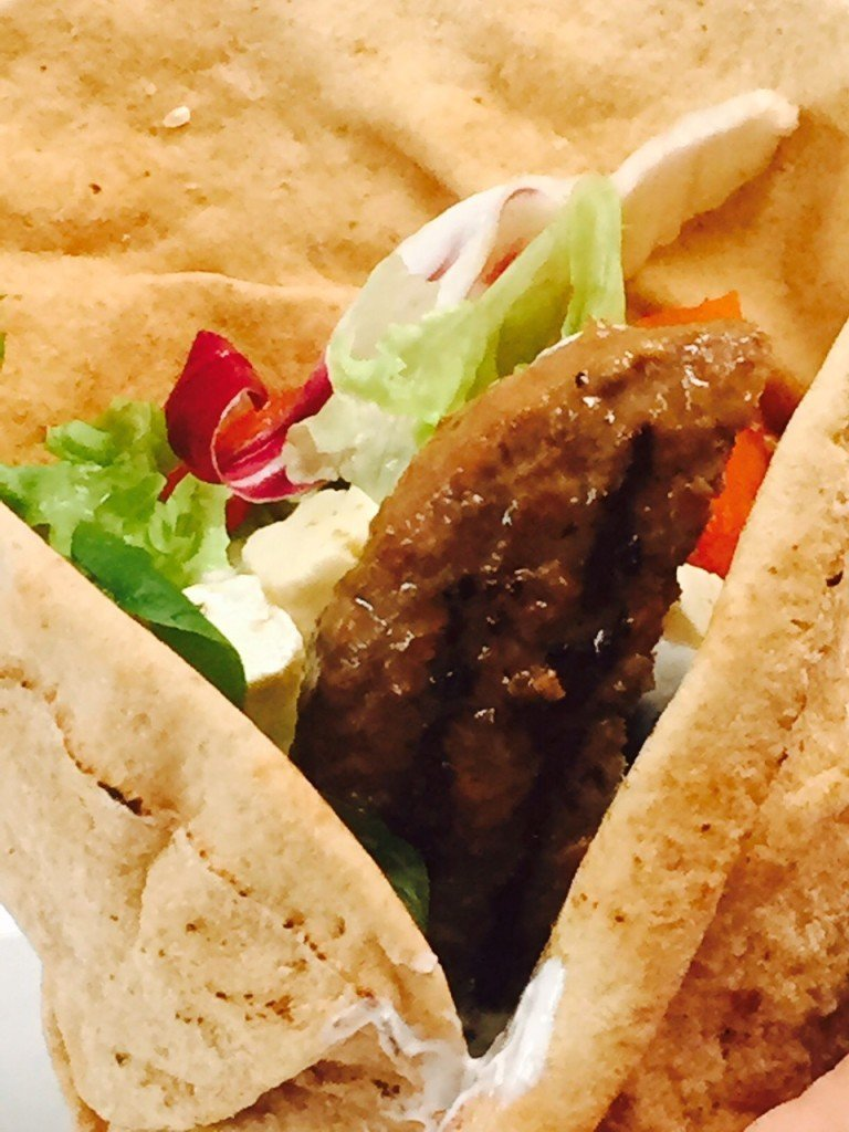 griekse hamburger pita recept foodblog Foodinista