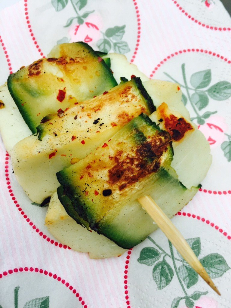 Halloumi Courgette Barbecue spies recept Foodblog Foodinista