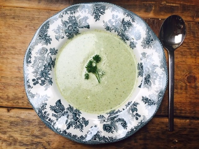 Snelle broccolisoep met mascarpone recept foodblog Foodinista