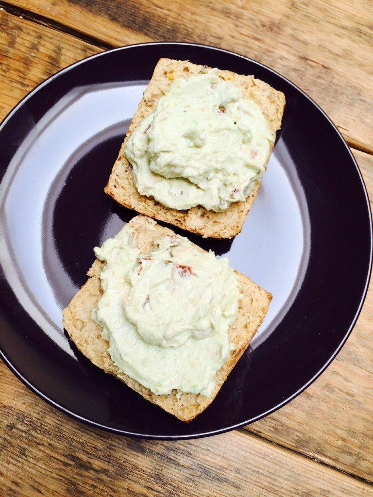Romige Avocado Kip Salade recept foodblog Foodinista