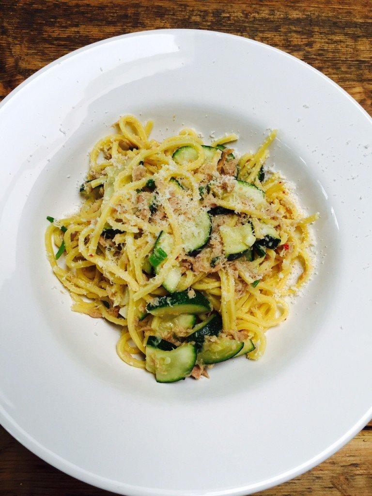 Pasta met tonijn en limoensaus foodblog foodinista