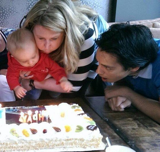 Taart uitblazen eerste verjaardag Florian foodblog Foodinista