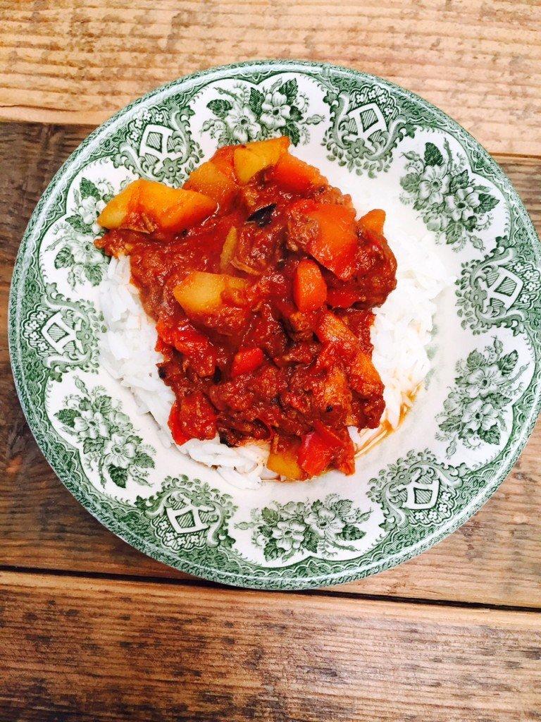 Paprika rundvlees stoofschotel recept foodblog Foodinista