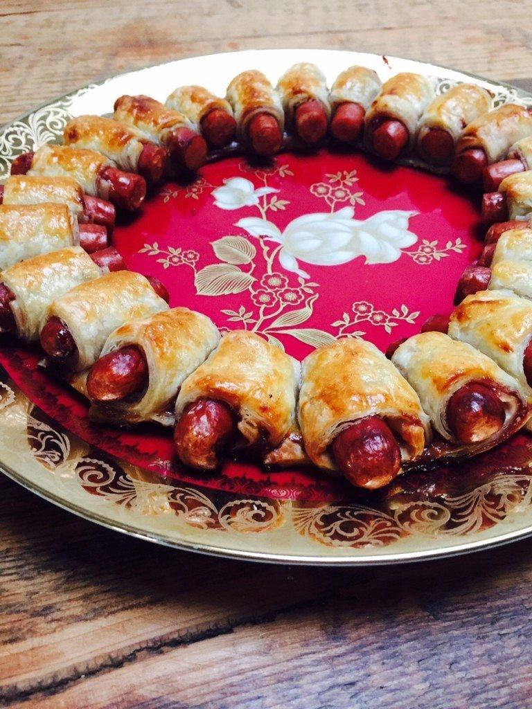 Zoete hotdog kerstkrans kidsfood partysnack recept