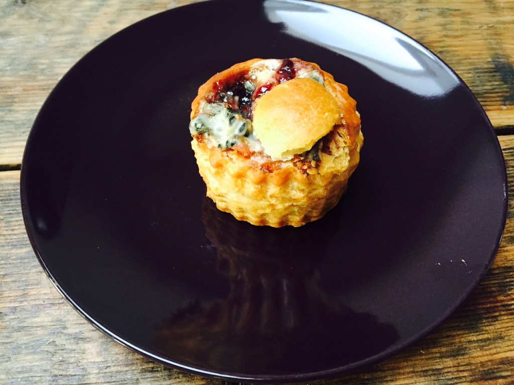 ragoutbakje met paté blauwe kaas en cranberry