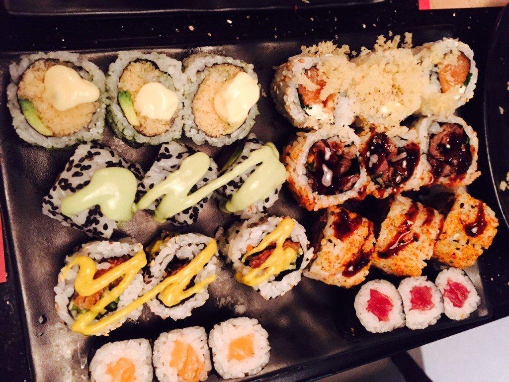 Sushi avondje verjaardag Eric foodblogger Foodinista
