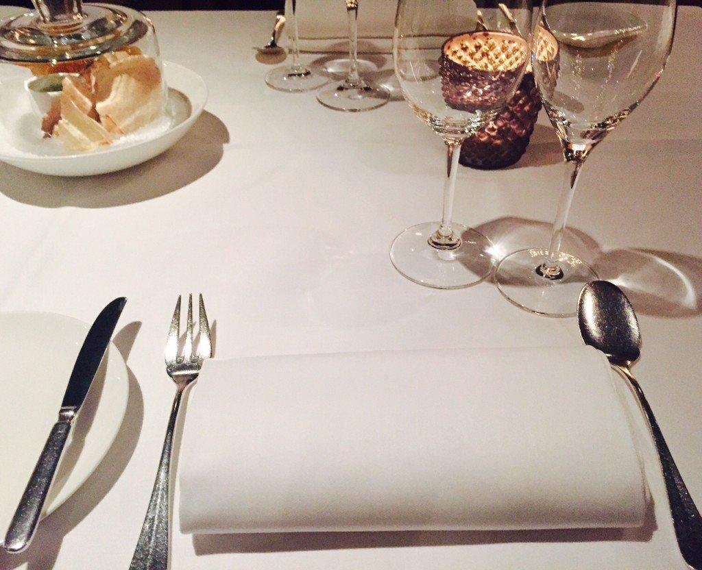 Ingedekte diner tafel Cotton Tree Mer Scheveningen Den Haag