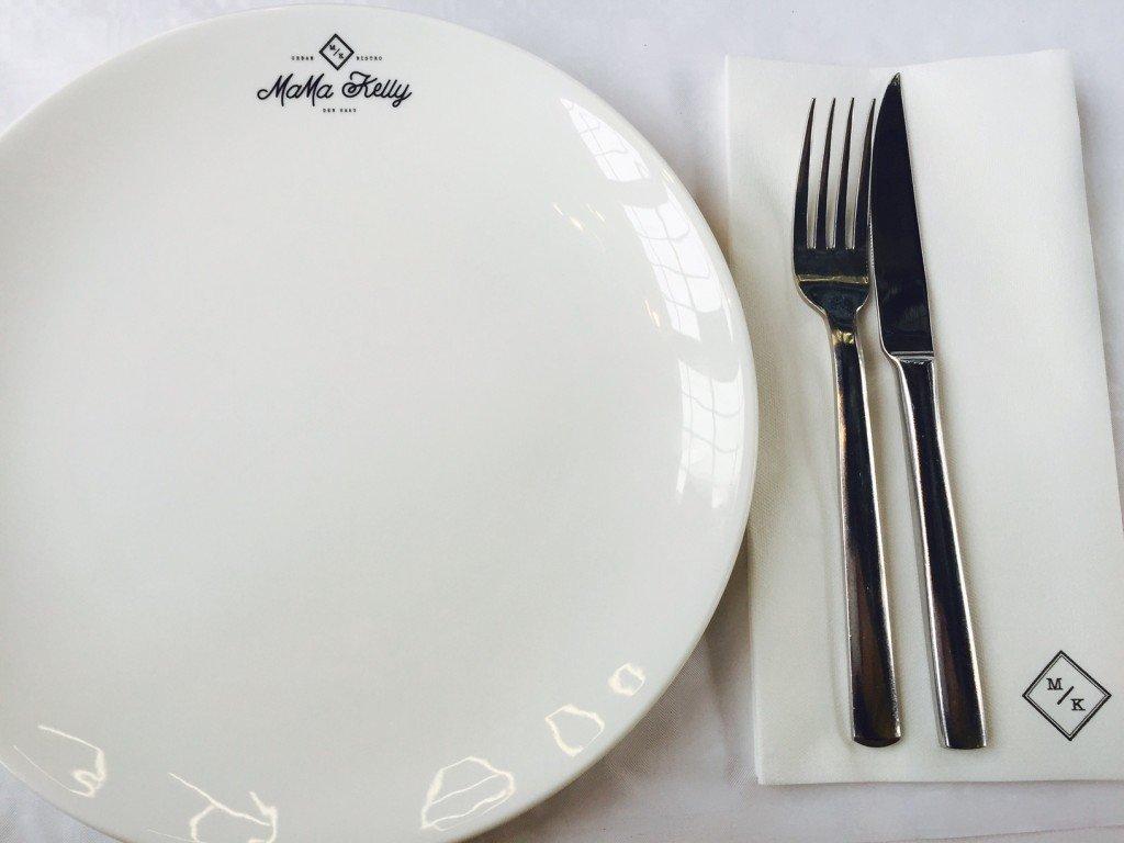 Gedekte tafel MaMa Kelly den Haag in details