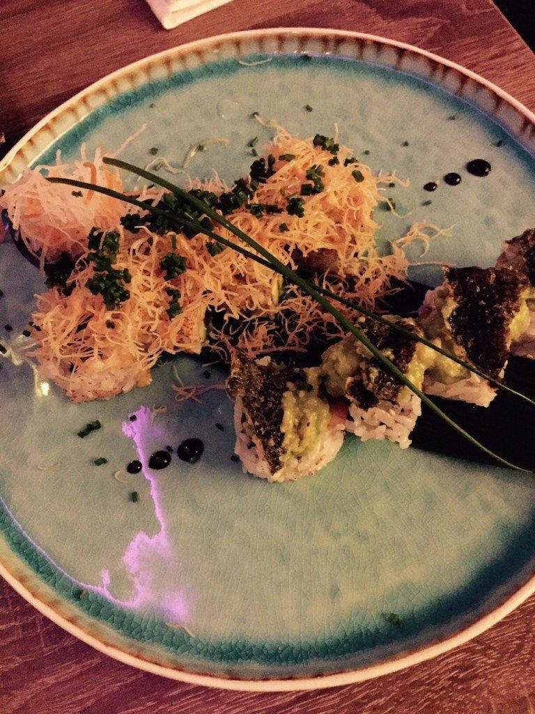 sushinight sushi met avocado garnaal en spicy tuna sushi Januari eetdagboek foodblog Foodinista