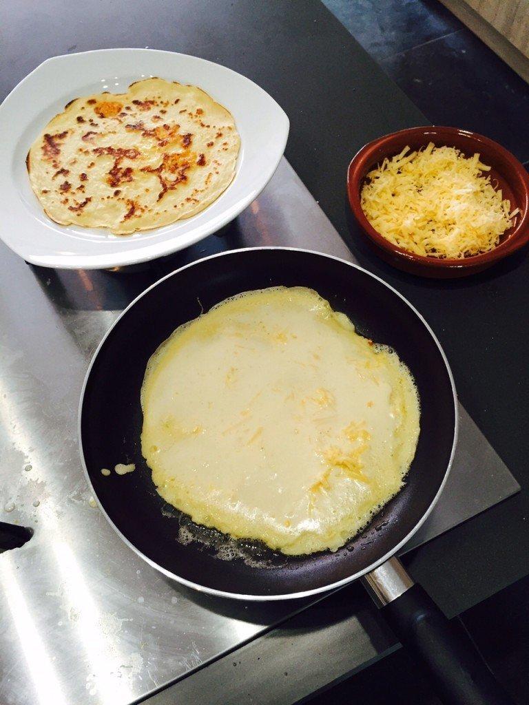 Pannekoeken bakken uit Polles Pannenkoekenboek favoriete foodblog Foodblog Foodinista