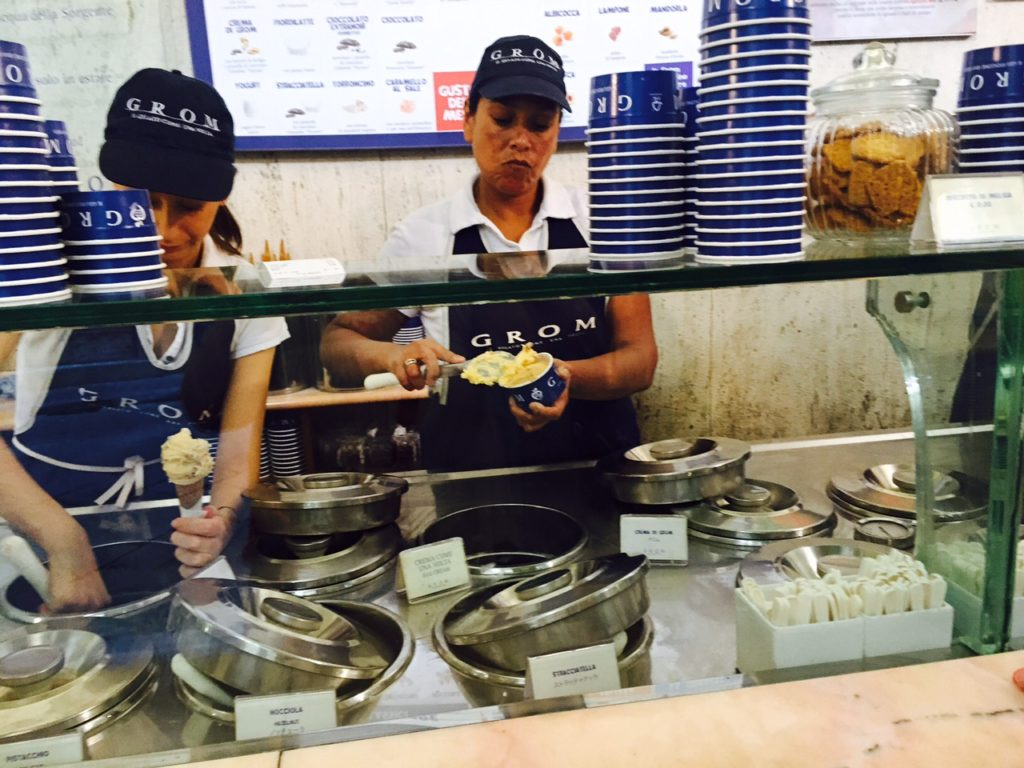 Foodie in Florence de tips voor goede Gelato ga ijs eten bij Grom achter de Duomo