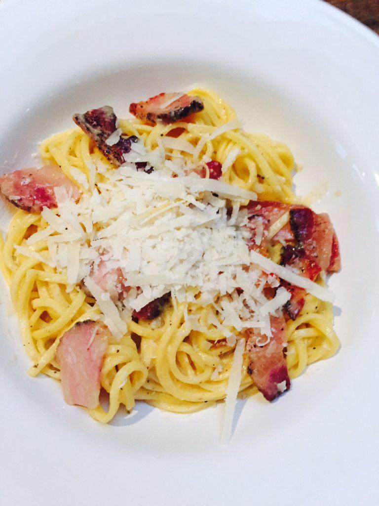 Klassiek pasta carbonara recept van foodblog Foodblog Foodinista