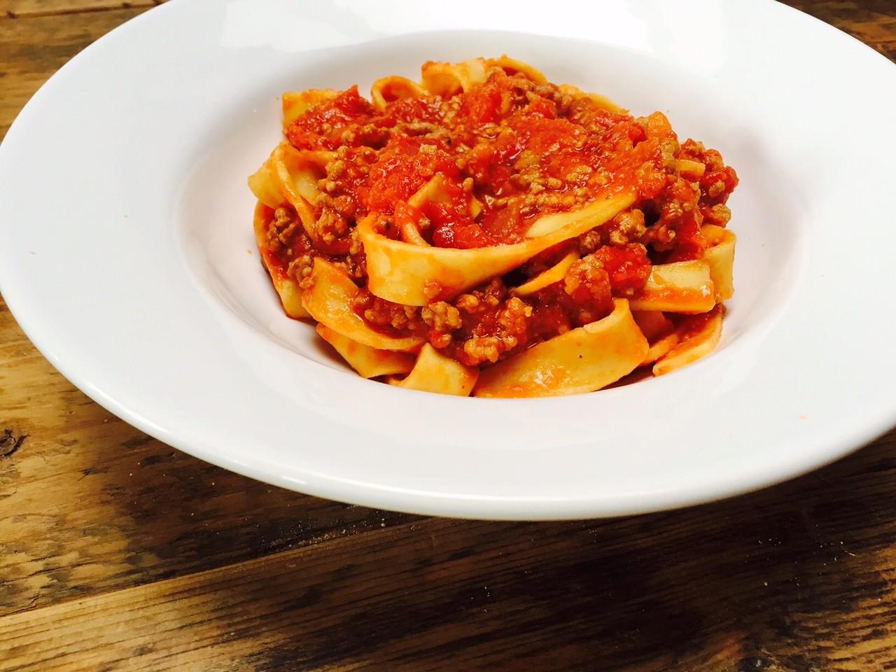 Snelle pasta bolognaise zelf maken als 20 minuten recept van Foodblog foodinista
