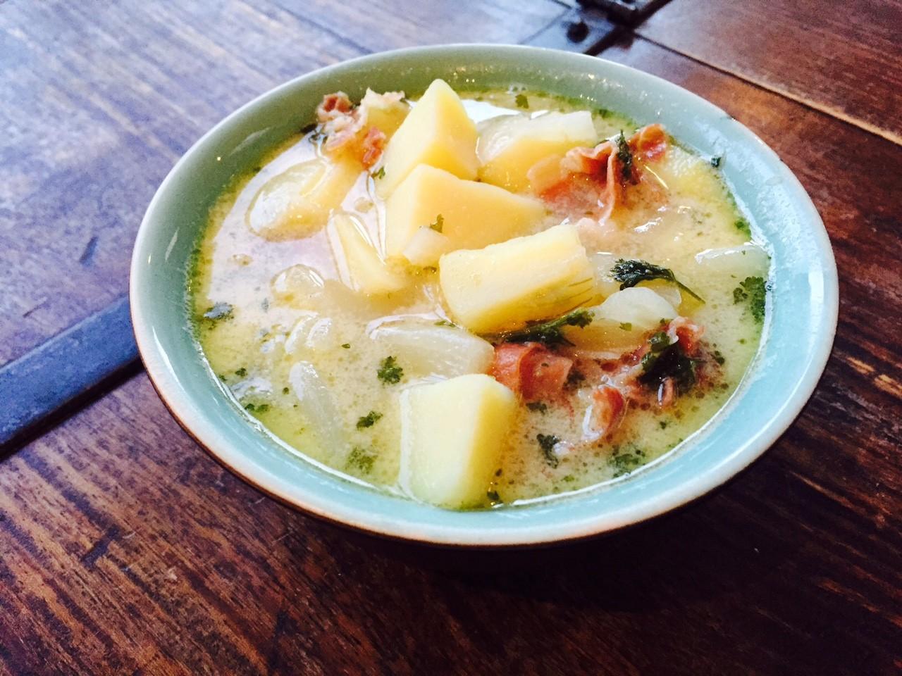 Italiaanse aardappelsoep recept van foodblog Foodinista