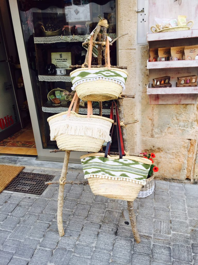 Rieten tassen de leukste souvenir tips op Mallorcaanse Foodblog Foodinista