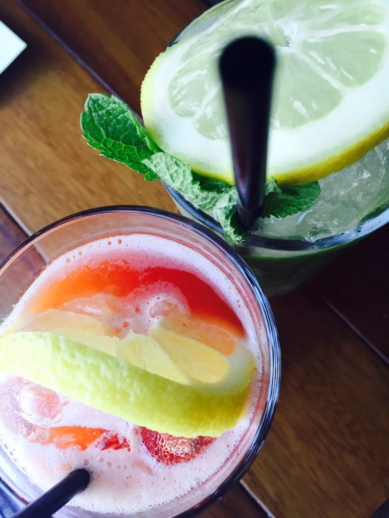 Lunchen bij Jamie Oliver in Rotterdam restaurant ervaring Foodblog Foodinista huisgemaakte limonades