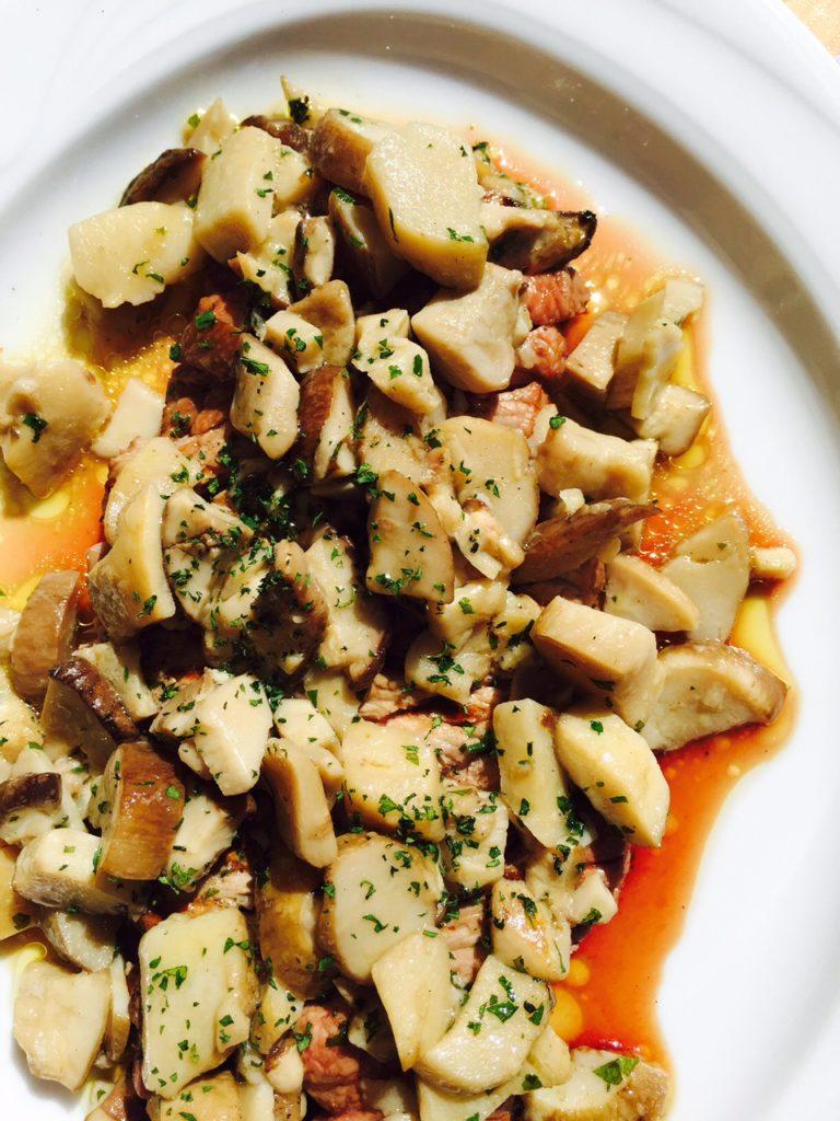 Eten bij Nonna in Toscane biefstuk met paddestoelen