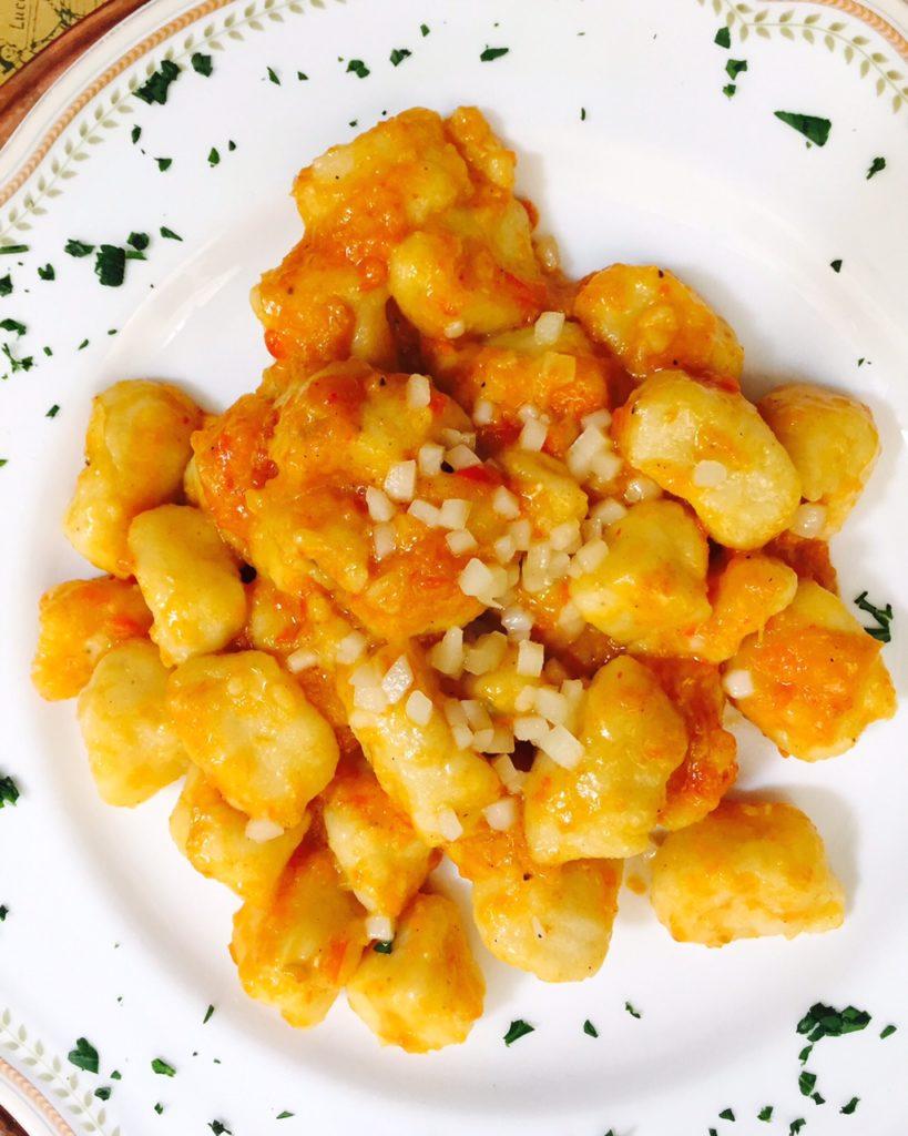 Dagje in Lucca Lunchen bij mijn favoriete restaurantje met de beste homemade gnocchi ever tips van foodblog Foodinista