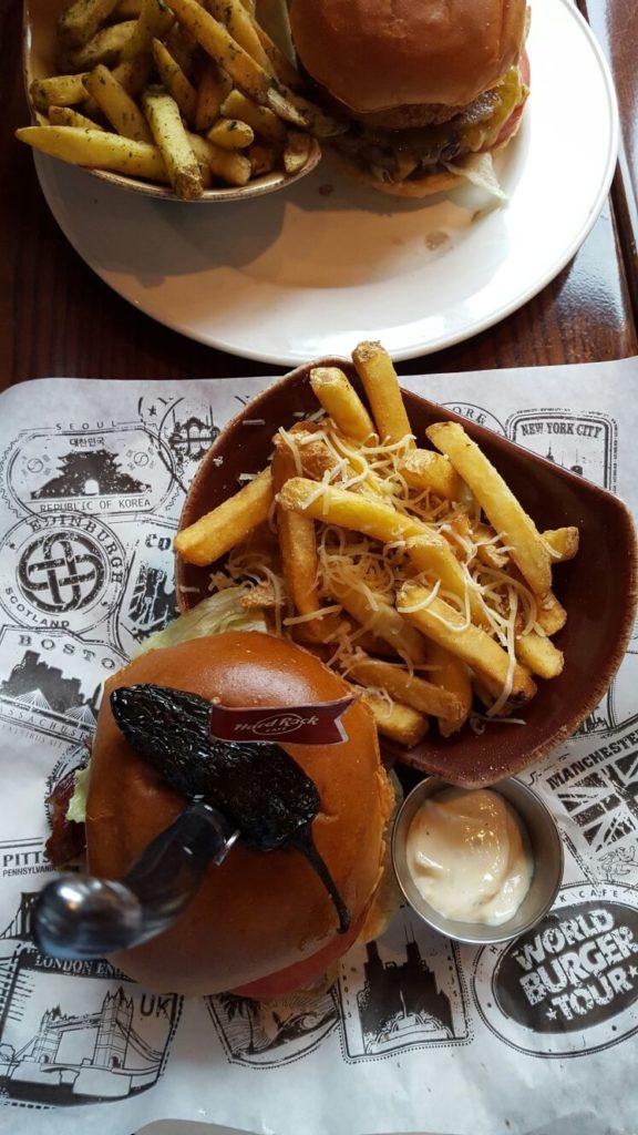 Hamburgers bij Hard Rock Cafe Amsterdam en winactie