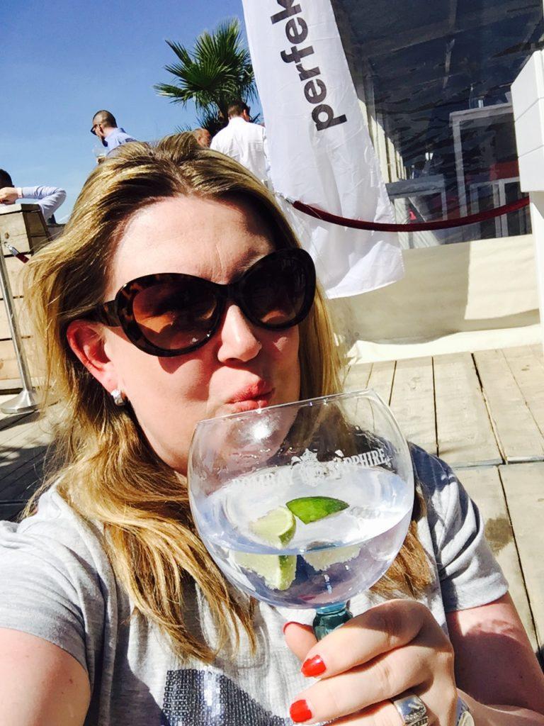 Gin Tonic op het stadsstrand van Antwerpen Proeft