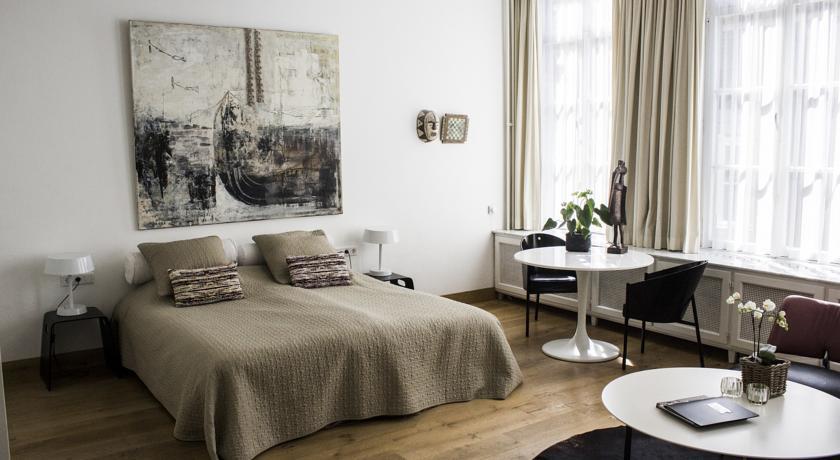Overnachten in Maastricht bij galerie Dis Hotel blogger Foodinista reistips
