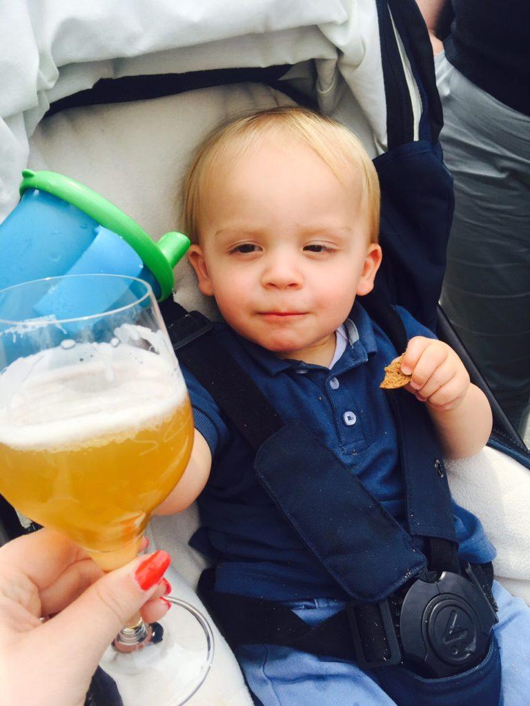 Proosten met mama bierfestival bierparadijs