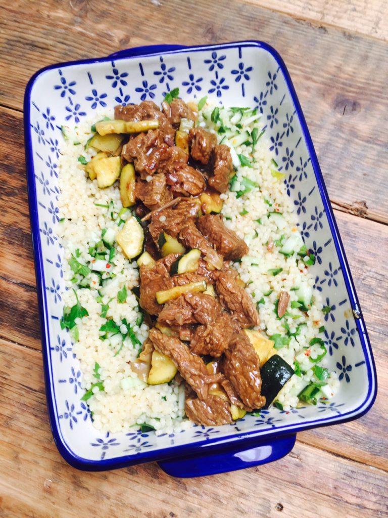 Zomerse stoofschotel met parelcouscous en courgette recept van foodblog Foodinista