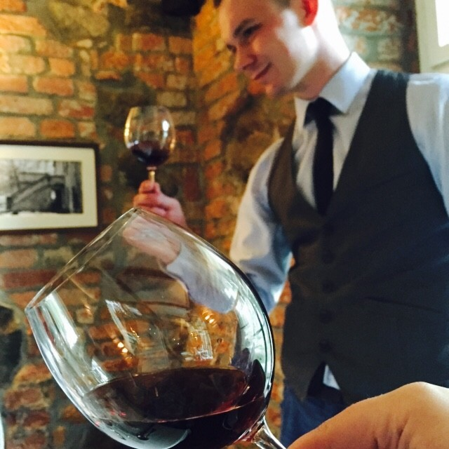 Wijnproeverij bij Hotel Olandia in Wielkopolska Polen foodblog Foodinista