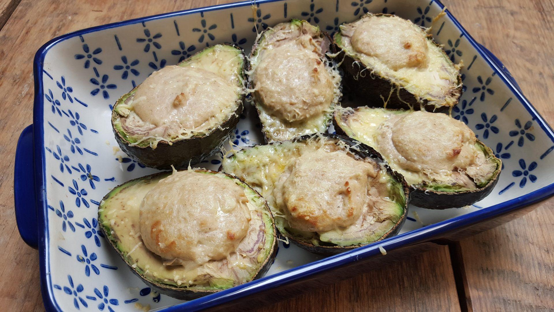 Avocado met zalmmousse uit de oven recept foodblog Foodinista