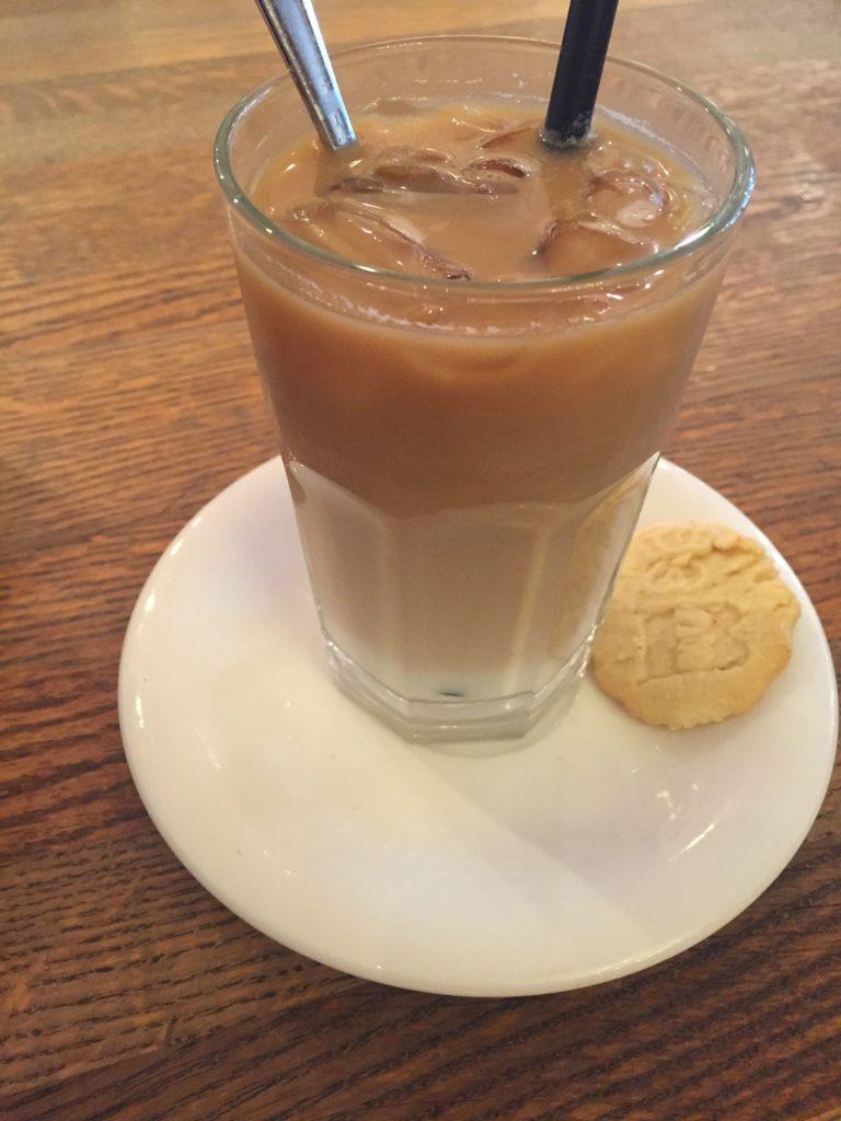 ijskoffie bij Bastians Backer foodblog Foodinista