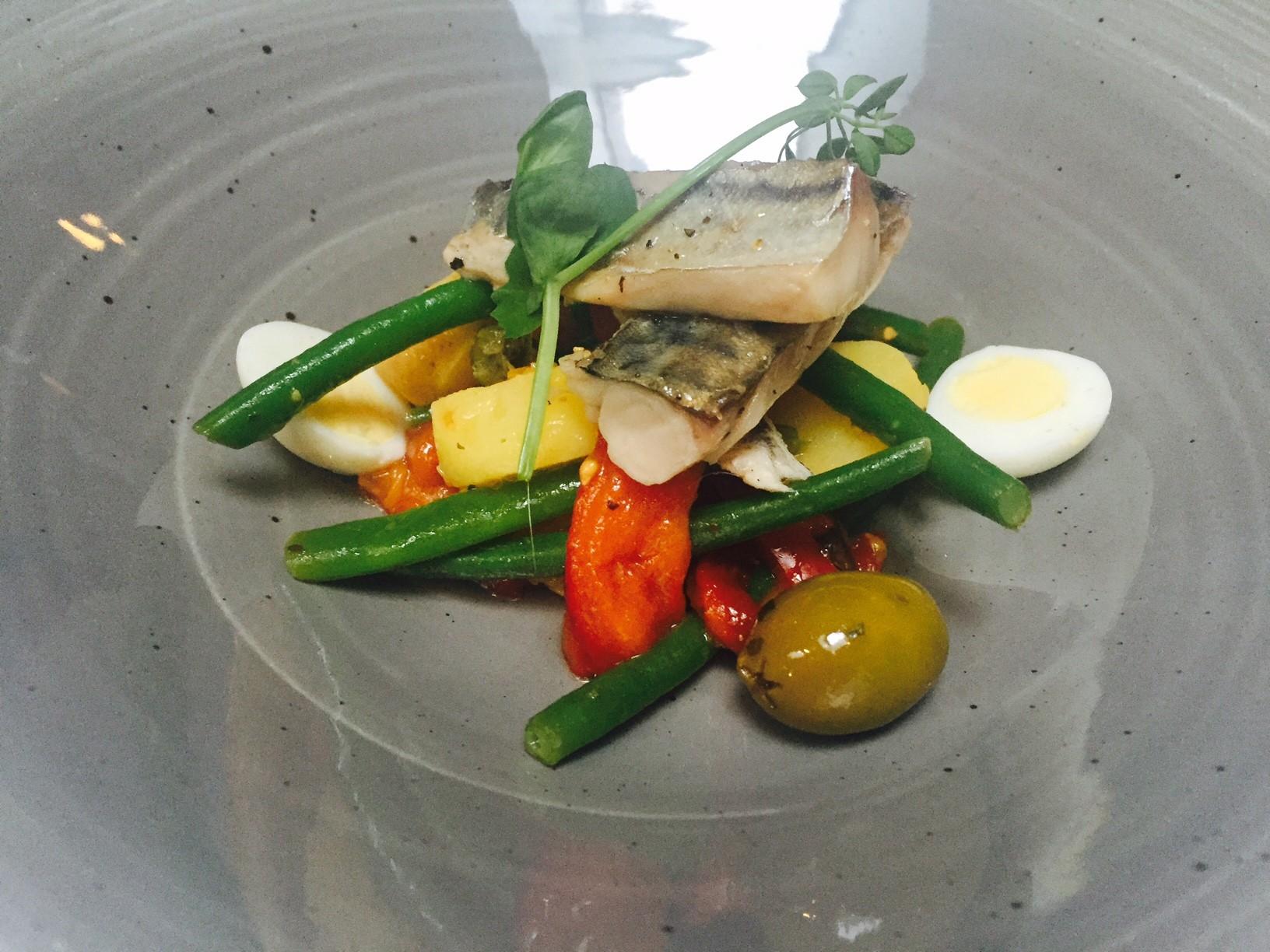 Salade nicoise met makreel bij Kingstreet restaurant Apeldoorn