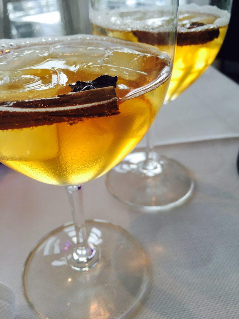 White port cocktail De Fuik in Aalst restaurantblog Foodinista