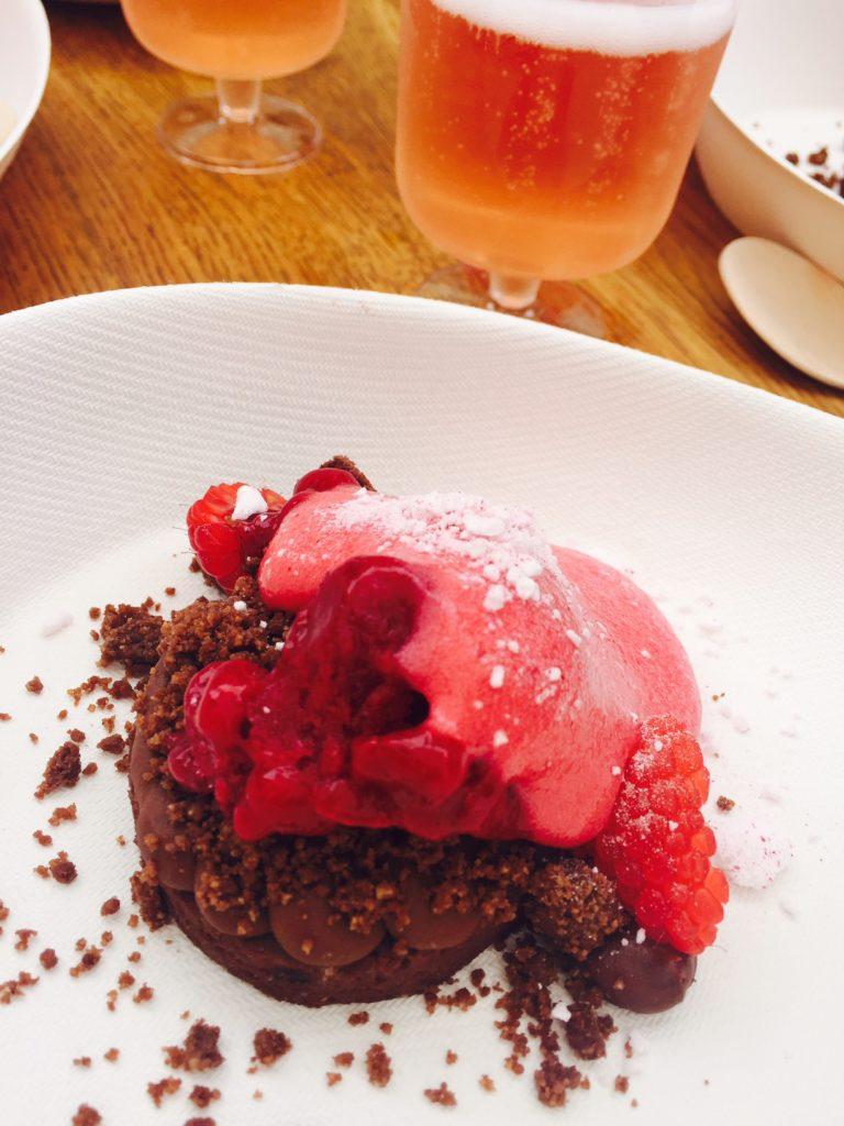 Chocoladedessert met frambozen hapje tapje in Leuven foodblog Foodinista