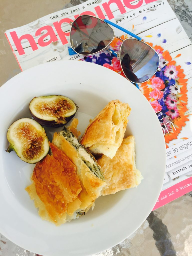 Griekse broodjes met voor de lunch Foodie in Naxos