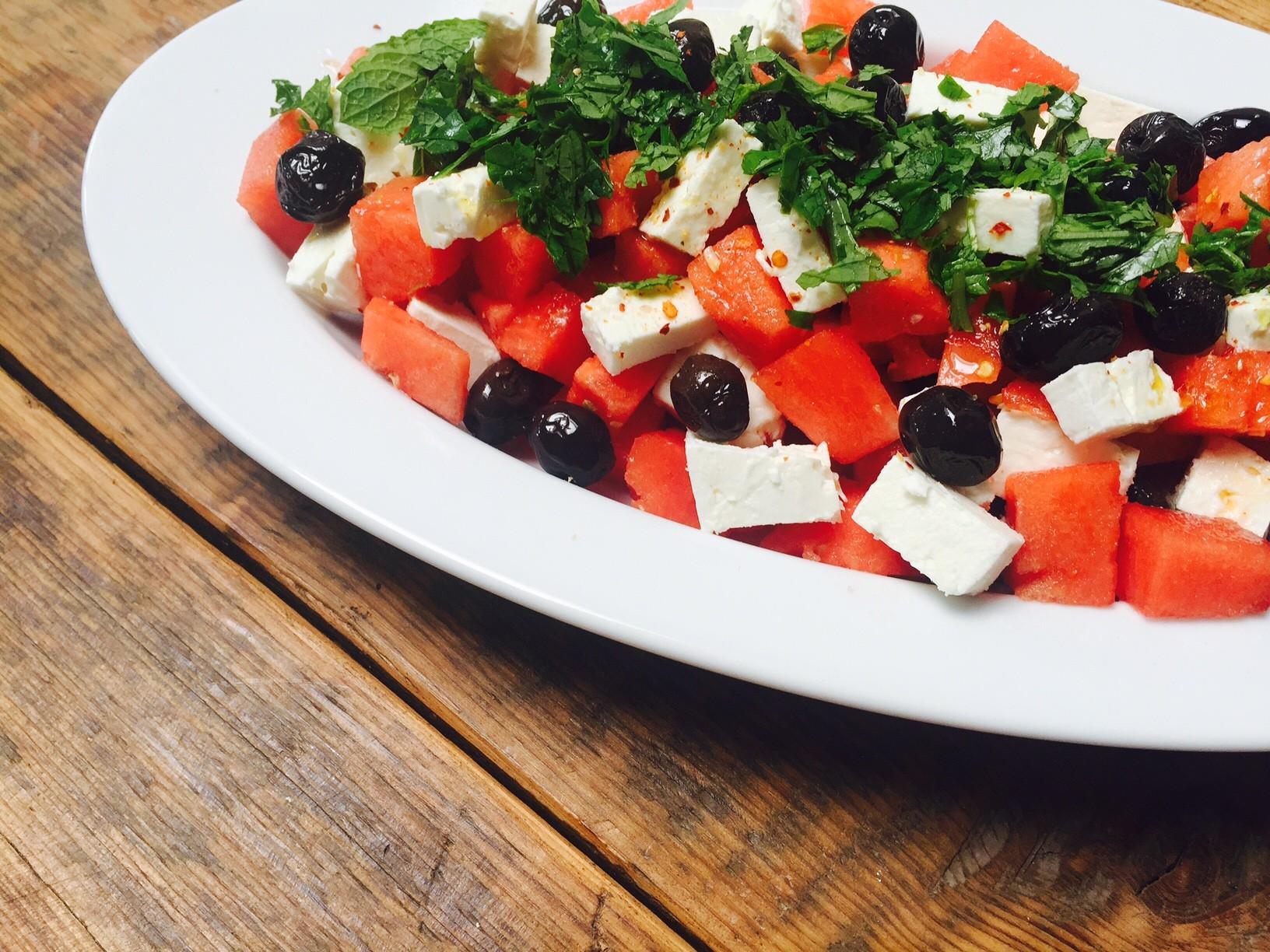 Watermeloen salade met feta recept van foodblog Foodinista