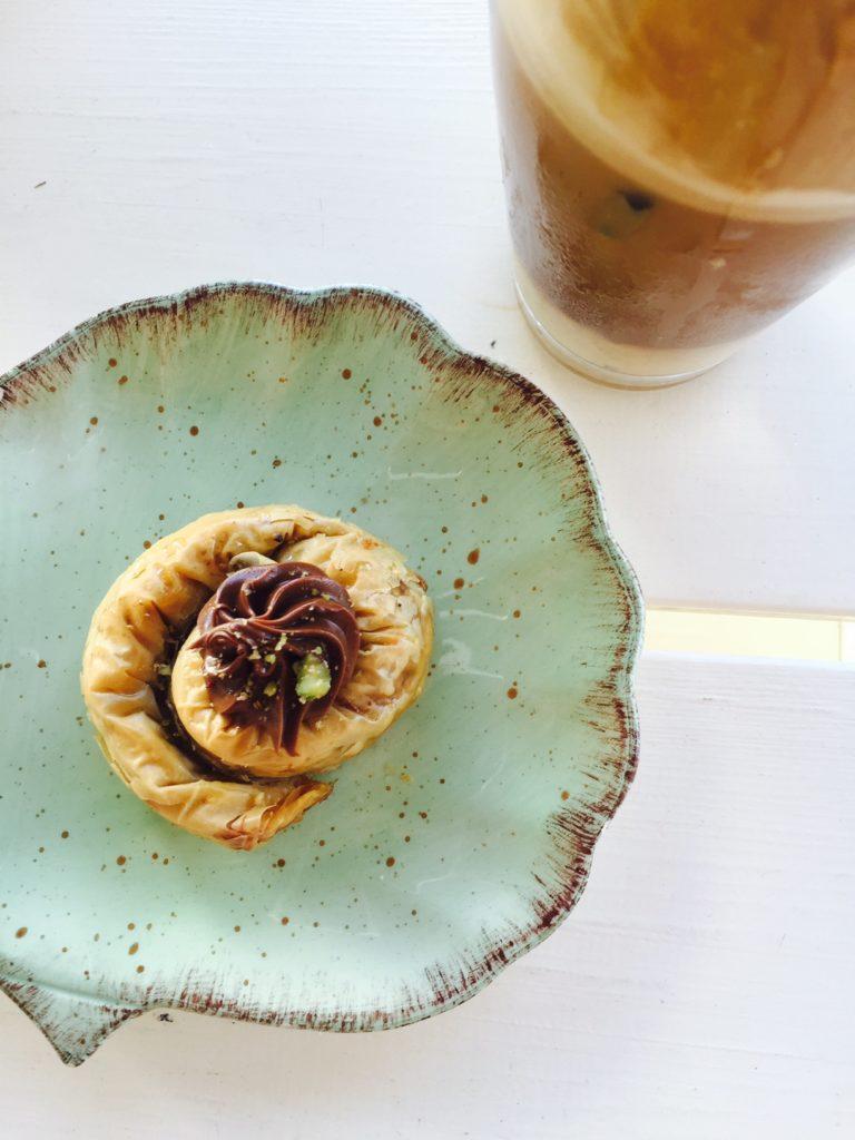 chocolade baklava op Naxos foodblog Foodinista
