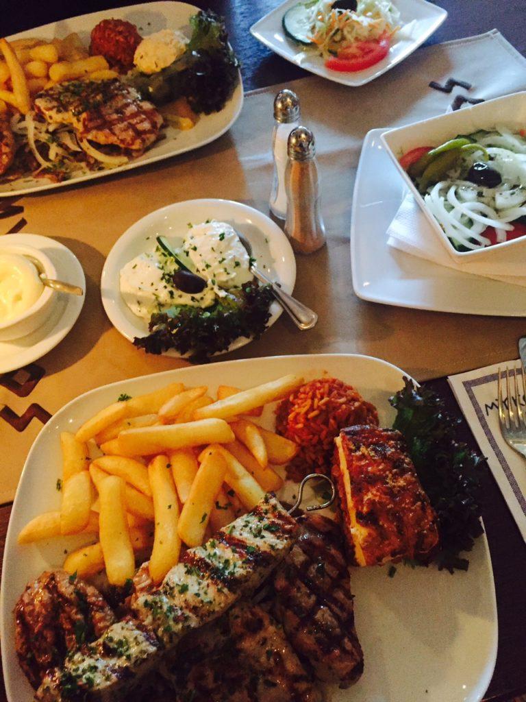 Grieken in Kaatsheuvel met vriendinnetje I. foodblogger Foodinista