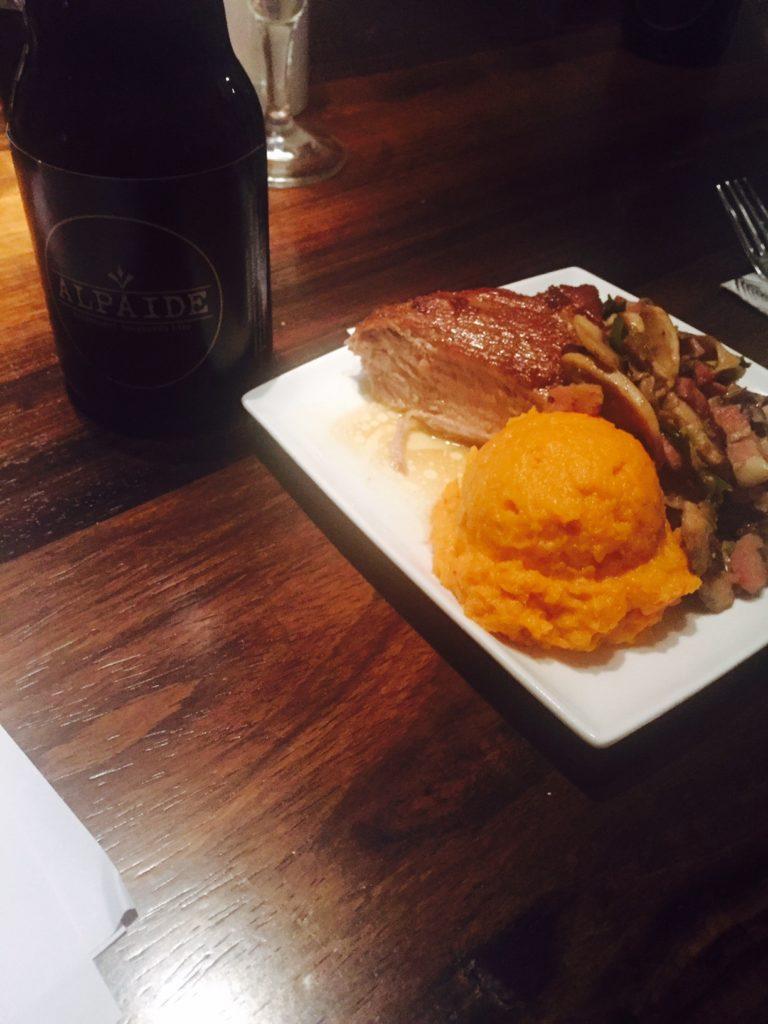 Varkenshaas zoete aardappelpuree en paddenstoelen foodpairing bier workshop foodblog Foodinista