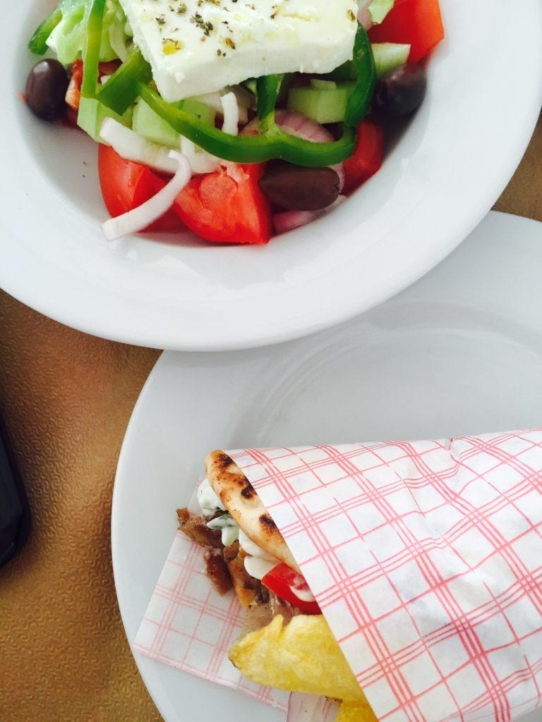 Pita gyros eerste lunch op Naxos